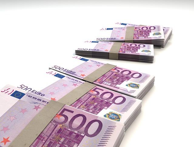 Witwassen van illegaal verkregen geld.