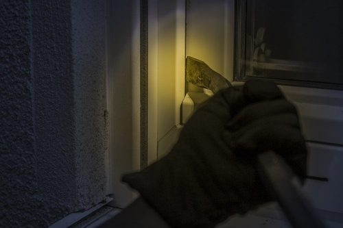 koevoet poging inbraak, beste alarmsysteem huis kan een inbraak voorkomen