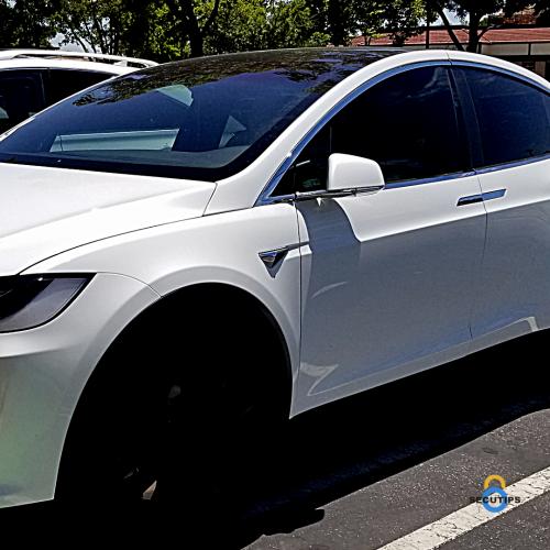 Tesla zijspiegel